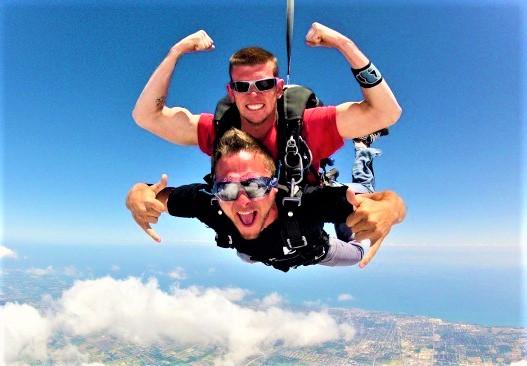 Прыжок с парашютом в тандеме + видео