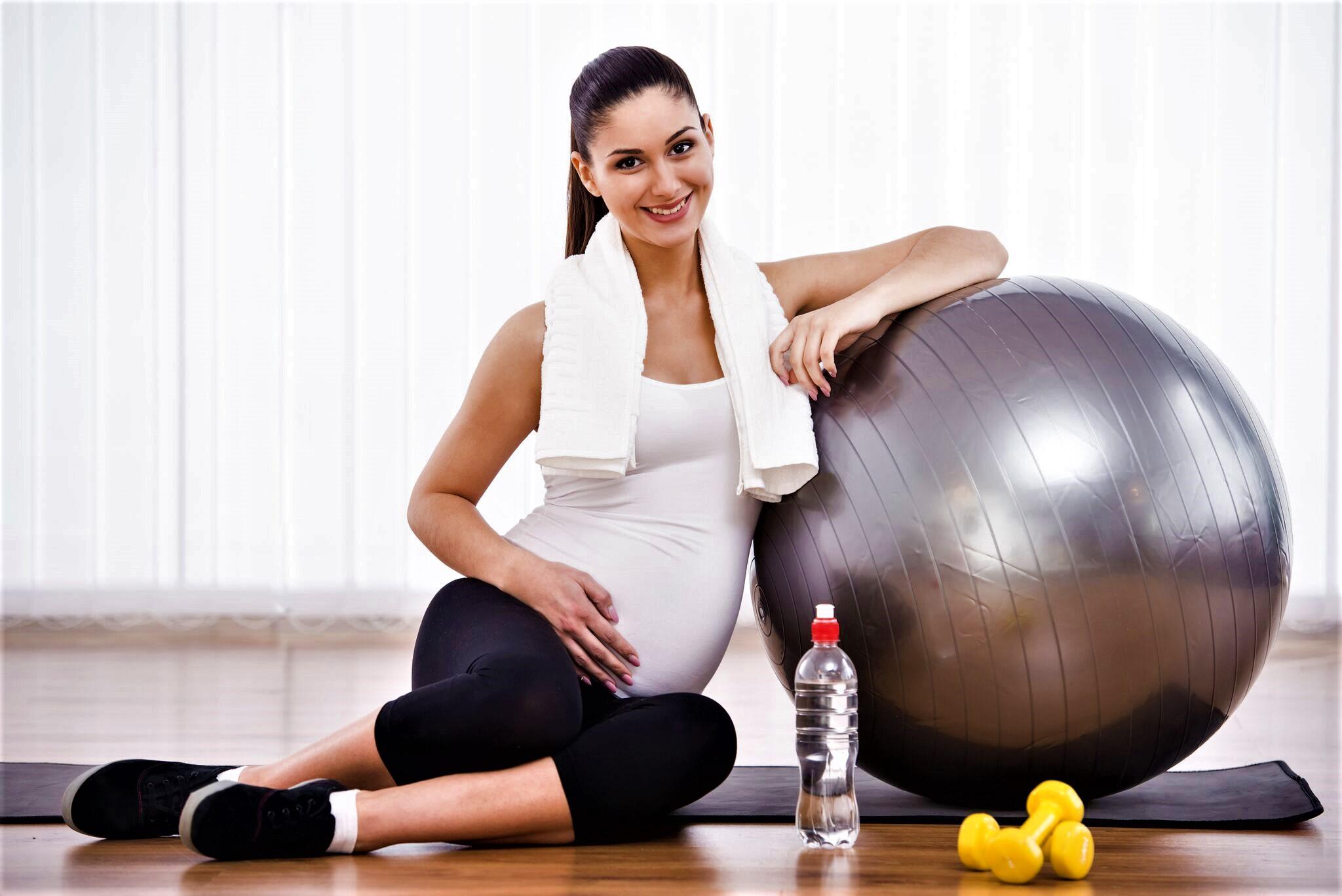 Йога для будущих мам. Индивидуальные занятия с тренером