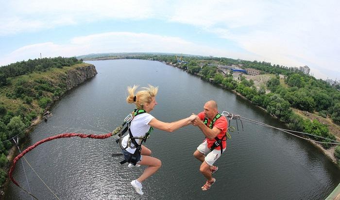 Роупджампинг - прыжки с высотных объектов